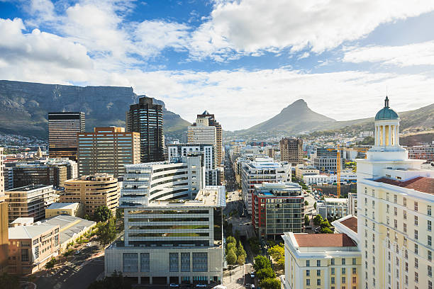 cape town city dowtown business district south africa - table mountain national park stock pictures, royalty-free photos & images