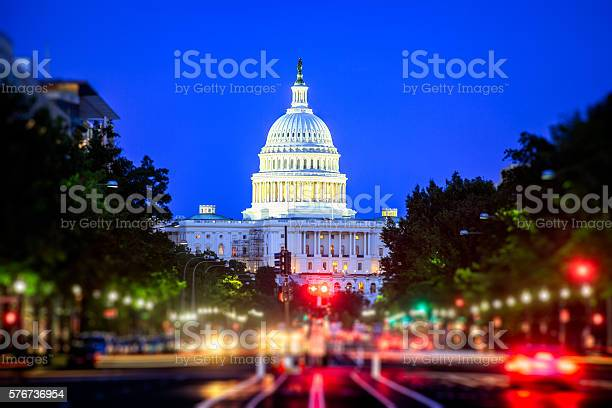 Capitol at night picture id576736954?b=1&k=6&m=576736954&s=612x612&h=mrj7aeayirsvsk hkjkf4o q 5usa8zowo upnromt8=