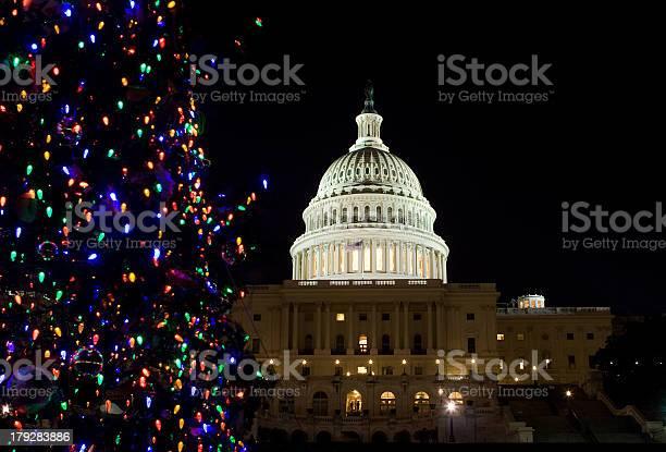 Capitol building dome night christmas tree lights washington dc picture id179283886?b=1&k=6&m=179283886&s=612x612&h=yhv74qbi2s xlrig ittruhwjiop0x7nuqqaju5l8s4=