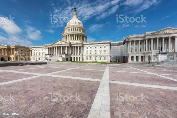 Capitol building in washington dc picture id1047613570?b=1&k=6&m=1047613570&s=612x612&h=75ee0ge6 rrwqzfh4hynfepwerhti gwgic9bex5ley=