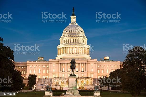 Capitol building picture id157742748?b=1&k=6&m=157742748&s=612x612&h=b0pe9ufu3rc vszpdi2yhduzurhlcybpuzl ahlnqt8=