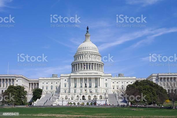 Capitol building us congress picture id488959423?b=1&k=6&m=488959423&s=612x612&h=qb416nat xcy p3nlec6gkgjqpemdhsgest5uko7r38=
