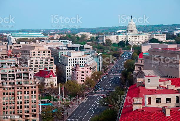 Capitol hill building aerial view washington dc picture id177936903?b=1&k=6&m=177936903&s=612x612&h=staxxbds wuebhltmj2jykxe3qdcdsm0vsj ggpmsog=