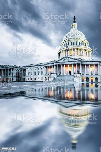 Capitol hill dc picture id576735392?b=1&k=6&m=576735392&s=612x612&h=vrahoztk8pjsdvjuuyjifrjev68giyp0c5twr6 tr0o=