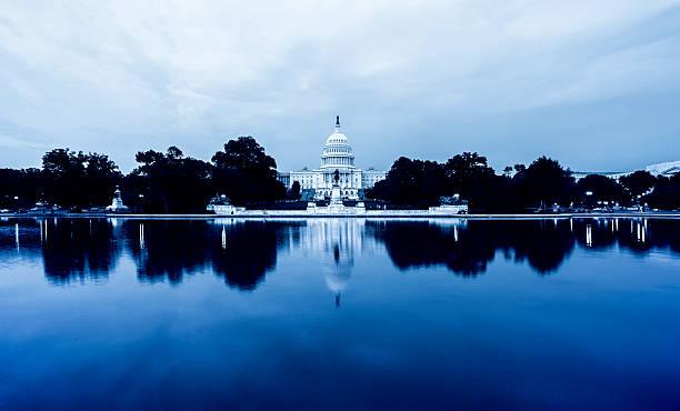 US Capitol Hill in Reflexion – Foto