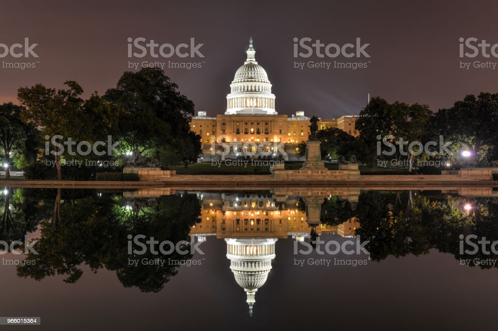 US Capitol in Washington DC at night - Royalty-free Architectural Dome Stock Photo