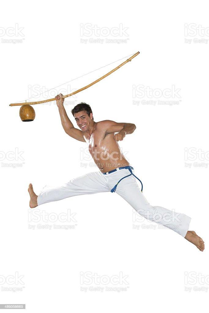 Capoeira, com berimbau homem pulando, Brasil - foto de acervo