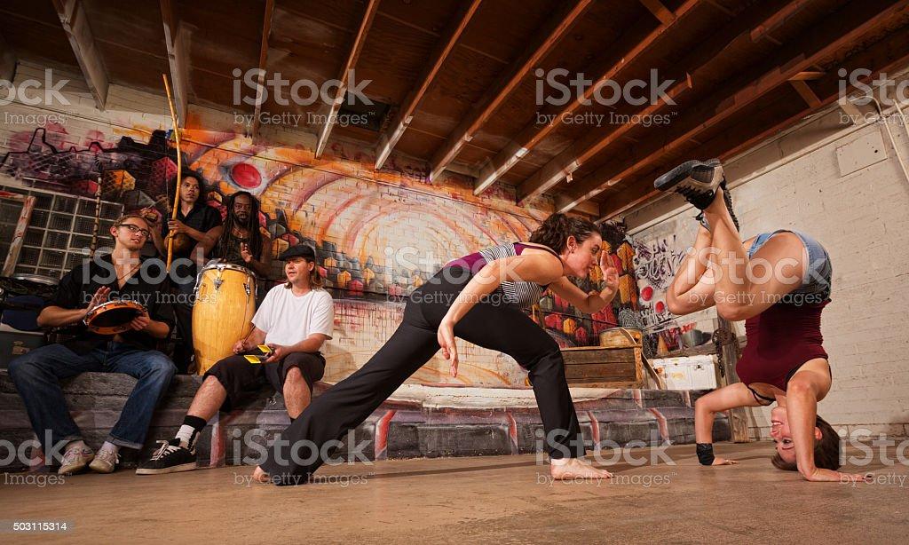 Capoeira guerreiros e músicos - foto de acervo