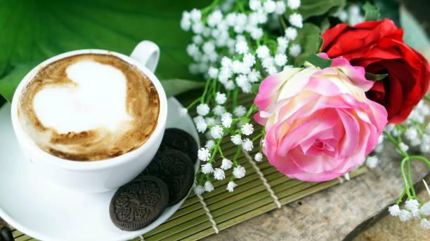 cappuccino kaffee und schokolade cookies - la union stock-fotos und bilder