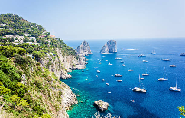 capri, faraglioni - sizilien strände stock-fotos und bilder