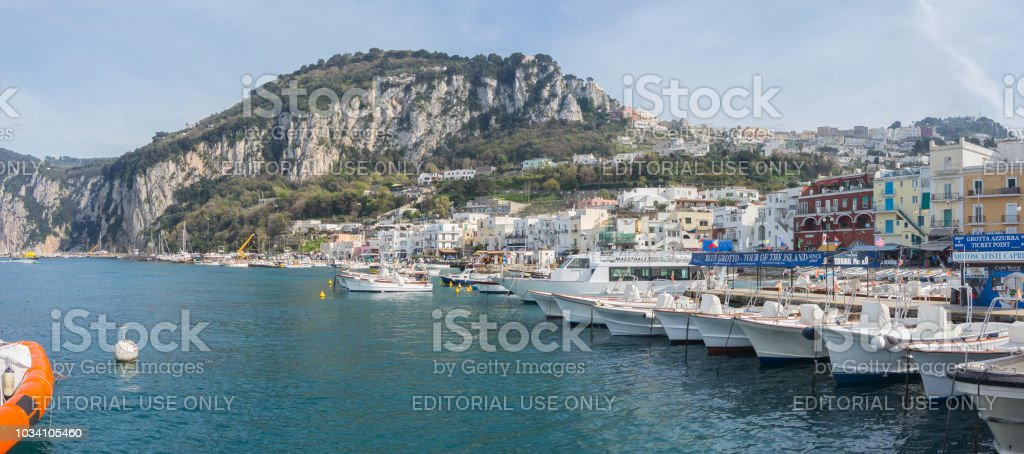 Capri, Naples, Italy. The harbor of the village Marina Grande - foto stock
