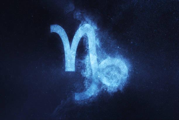 signe du zodiaque capricorne. fond de ciel de nuit résumé - signes du zodiaque photos et images de collection