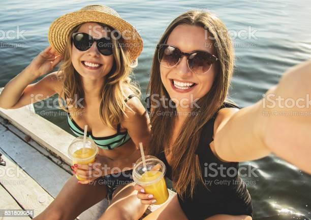 Capturing every happy moments with her friend picture id831809084?b=1&k=6&m=831809084&s=612x612&h=xag 3xsszcclkbplqovizth2peheewzrafbpykoimka=