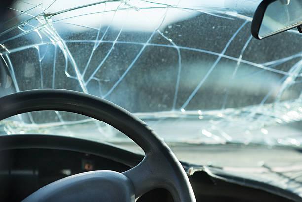 Autounfall Zusammenstoß reparieren – Foto