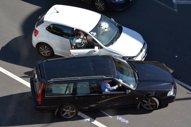 bilolycka - krockad bil bildbanksfoton och bilder