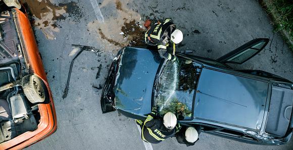 istock Car accident 969500136