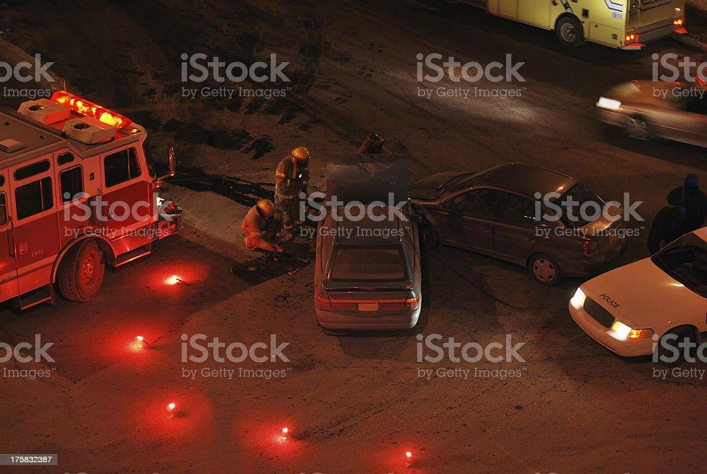 Autounfall Szene Bei Nacht Stock-Fotografie und mehr Bilder von ...