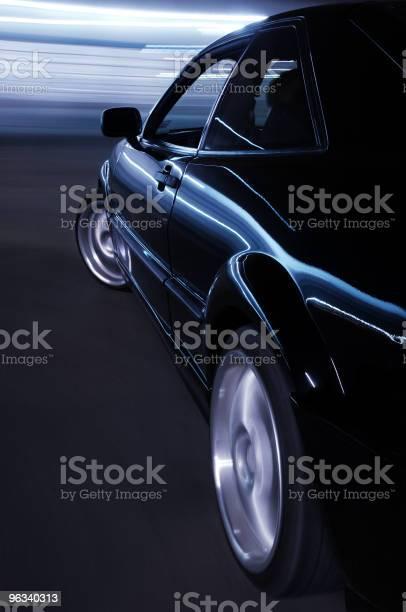 Samochód W Prędkości - zdjęcia stockowe i więcej obrazów Latarnia uliczna