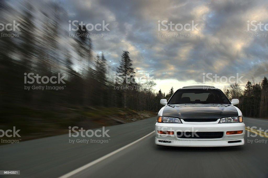 Samochód w prędkości - Zbiór zdjęć royalty-free (Bez ludzi)