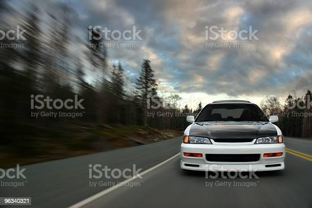 Samochód W Prędkości - zdjęcia stockowe i więcej obrazów Samochód