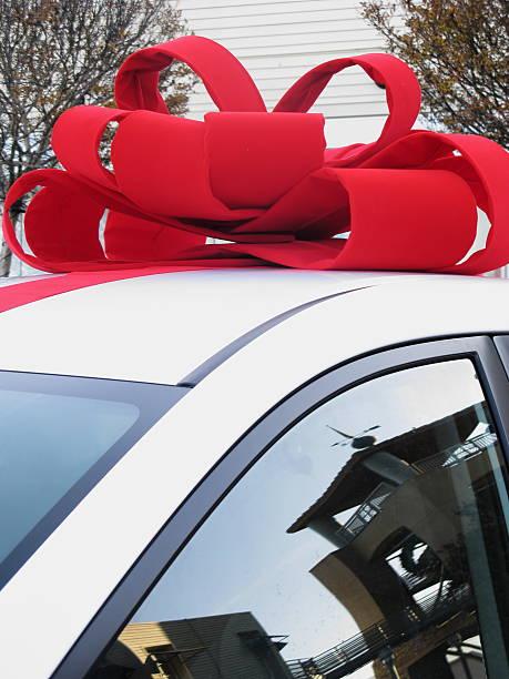 schleife geschenk für weihnachten - autoschleifen stock-fotos und bilder