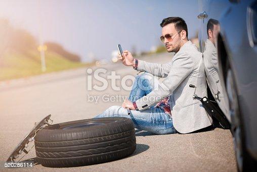 istock Car breakdown 520286114