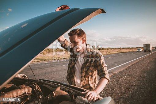 istock car breakdown 675899718