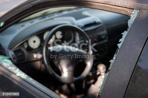 istock Car broken window 515401653