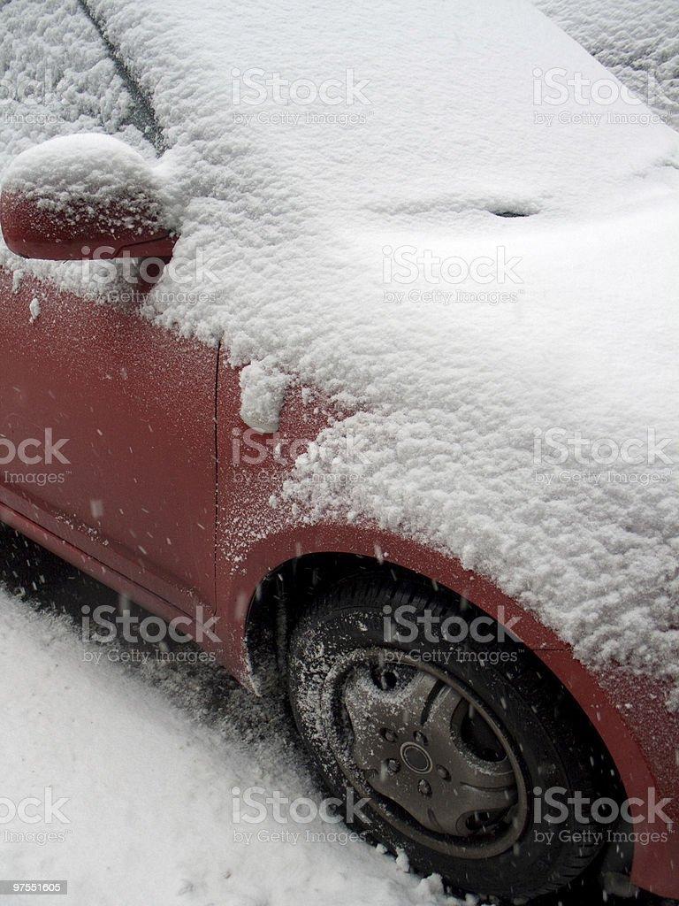 Voiture couverte de neige photo libre de droits
