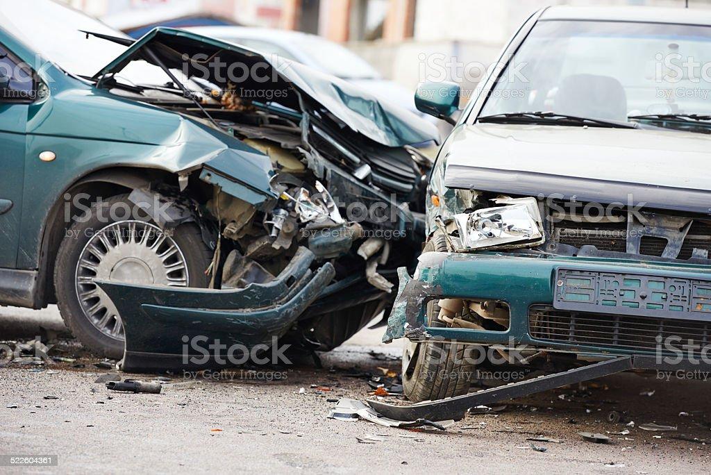 Autounfall Kollision in der urban street – Foto