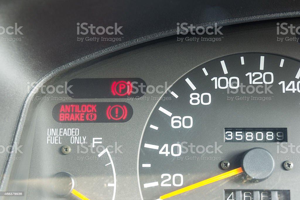 Beleuchtung Auto Symbole   Auto Armaturenbrett Warnung Beleuchtung Symbole Stockfoto Istock