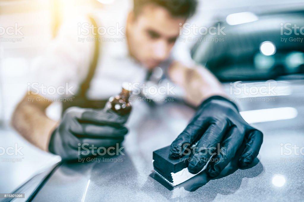 Auto Aufbereitung-Konzept. Auto reinigen und Polieren. Lizenzfreies stock-foto