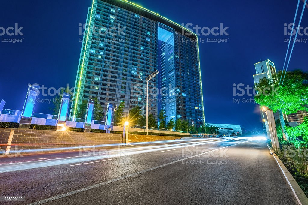 car driving on road in city foto royalty-free