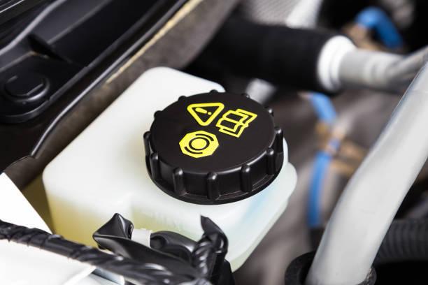 汽車發動機制動液容器特寫 - 剎車制 個照片及圖片檔
