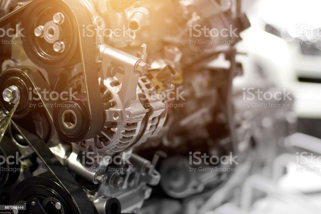 Pieza del motor del coche, concepto de motor del vehículo moderno y detalles de parte del motor de coche de metal cortado - foto de stock
