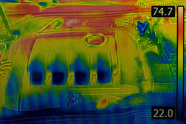 auto-motor thermal image - digitalkamera test stock-fotos und bilder