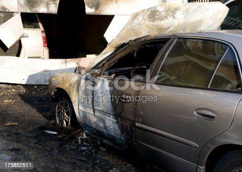 istock Car Fire 173852511