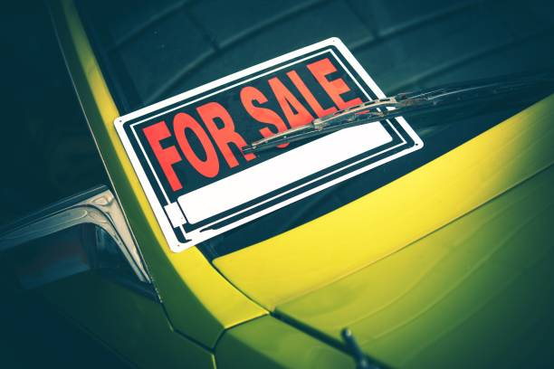 car for sale by owner - used car selling stock pictures, royalty-free photos & images