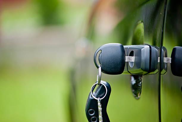 Car keys in a lock – Foto
