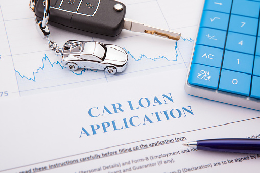 512011833 istock photo Car loan application Form with pen 905395908