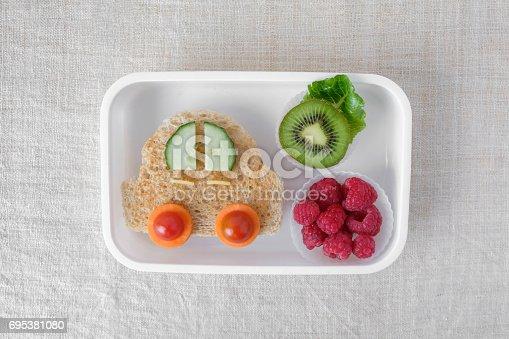 istock Car lunch box, fun food art for kids 695381080