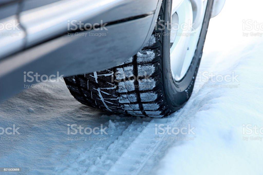 Auto auf Schnee Lizenzfreies stock-foto