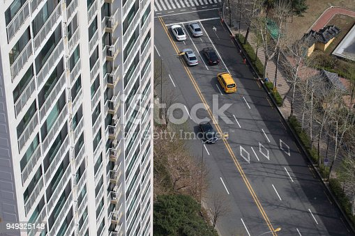 istock Car on the road from the rooftop 949325148