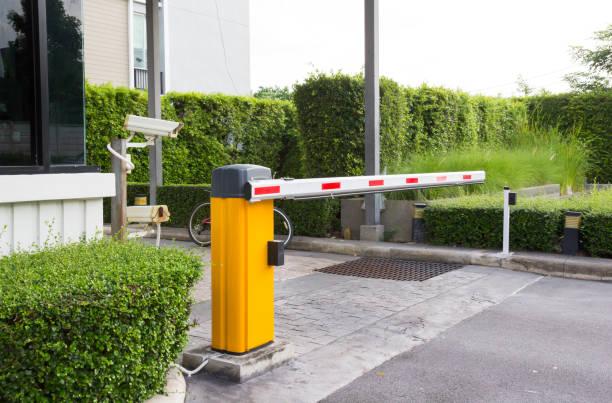 car park barrier, automatic entry system - portão imagens e fotografias de stock