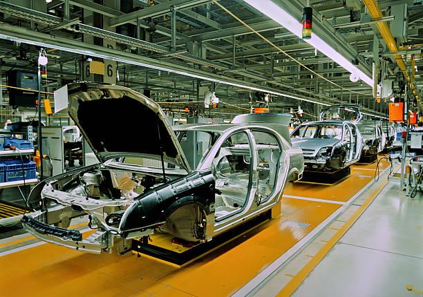 linii produkcji samochodu - taśma produkcyjna zdjęcia i obrazy z banku zdjęć