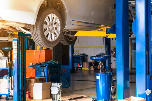 Car repair garage Auto Repair Shop, Gas Station, Workshop, Car, Mechanic auto repair shop stock pictures, royalty-free photos & images