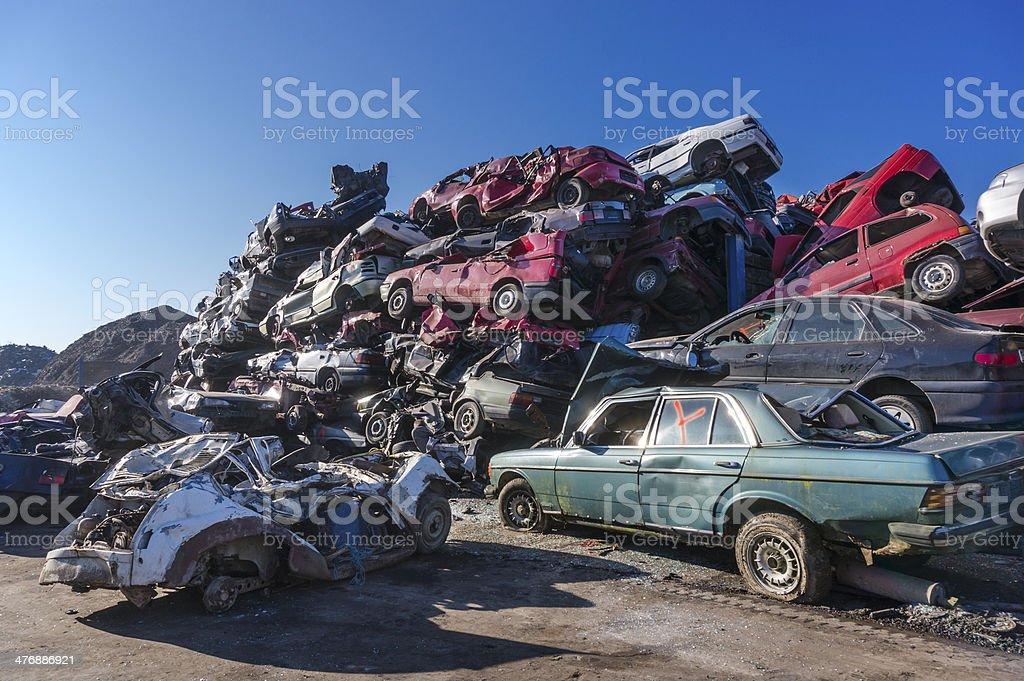 Car Scrapyard Stock Photo & More Pictures of Broken | iStock