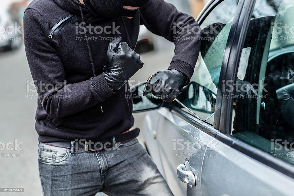 Ladrão de carro, roubo de automóvel - foto de acervo