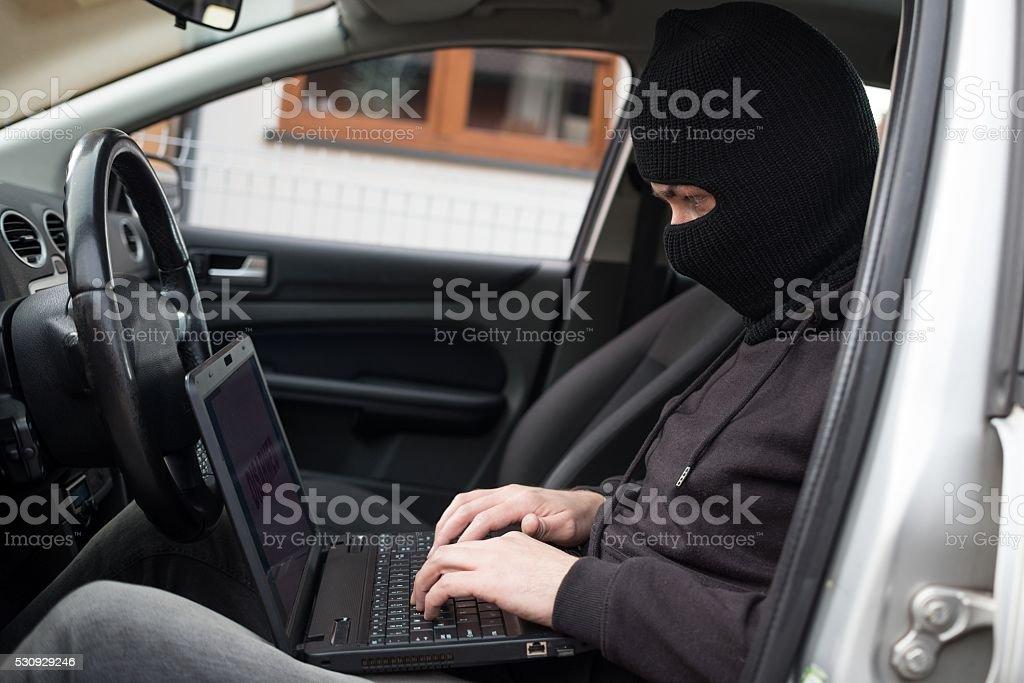 Autodieb versucht, Abrüstung Auto Sicherheitssysteme – Foto
