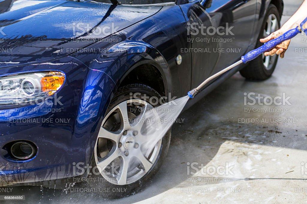 Lavado del automóvil - foto de stock